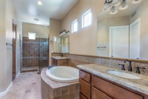 grayhawk-talon-master-bathroom